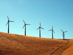 Едно от изследванията показва, че енергията от вятъра надхвърля потребностите на човечеството 20 пъти