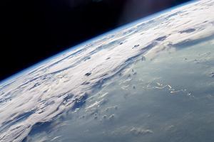 Според изследването изкуственото охлаждане на климата на планетата е възможно, но ще бъдат необходими още проучвания. Снимка: НАСА