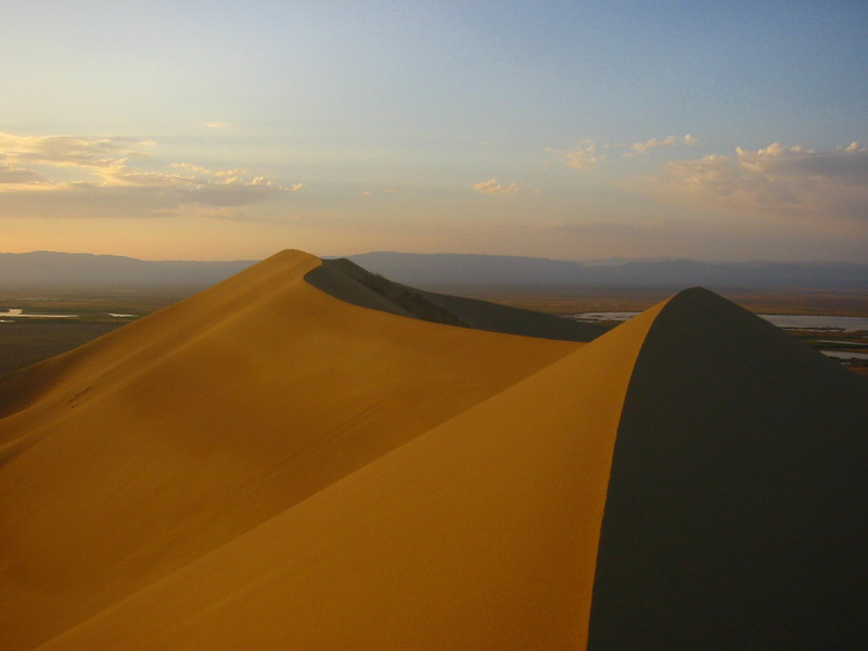 Пееща пясъчна дюна в националния парк Алтън-Емел, Казахстан. Снимка: Jonas Satkauskas