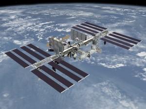 Международната космическа станция (кликни за по-голяма версия). Снимка: НАСА