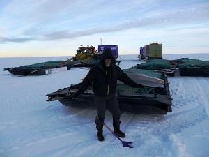 Ранулф Файнс по време на приготовленията за експедицията. След като получи измръзване пътешественика се отказа от опита си да покори Антарктида през зимата. Снимка: The Coldest Journey