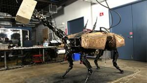 Роботът BigDog се сдоби и с мощна ръка (ВИДЕО)