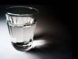 По данни на UNICEF всеки ден в света умират около 2000 деца на възраст до 5 години заради стомашно-чревни заболявания, почти винаги дължащи се на липса на чиста питейна вода, лоша хигиена или неподходящи санитарни условия. Снимка: Thiago Felipe Festa