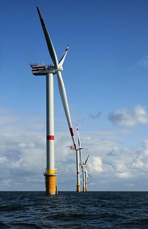 Вятърните турбини често произвеждат енергия в повече, която се губи, тъй като не може да бъде складирана. Снимка: Ханс Хилеверт