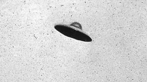 Възможно НЛО в небето над Ню Джърси. Снимката е направена на 31 юли, 1952 г.