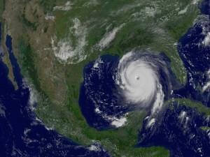 Ураганът Катрина от 2005 г. е един от екстремумите, посочени в доклада. Снимка: GOES 12 Satellite, NASA, NOAA