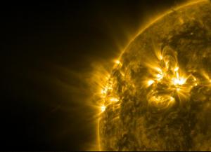 """""""По всичко изглежда, че са ни останали не повече от 3-4 месеца до пълната инверсия на полето"""", заяви Тод Хоксем от Станфордския университет. Снимка: NASA/SDO"""