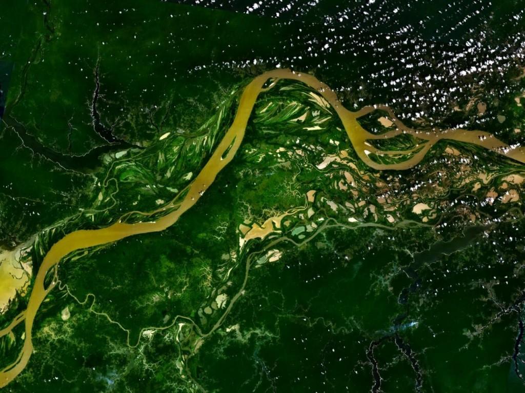 Сателитна снимка на река Амазонка. Източник: НАСА
