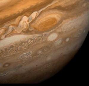 Голямото червеното петно по-отблизо. Снимка: НАСА