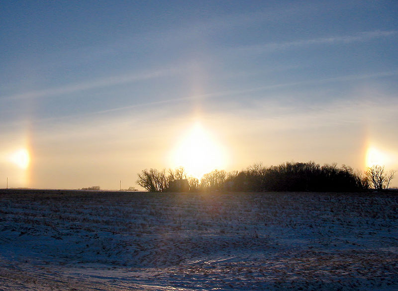 Слънчеви кучета над Ню Ълм, Минесота, САЩ. Снимка: Erik Axdahl (CC BY-SA 2.5)