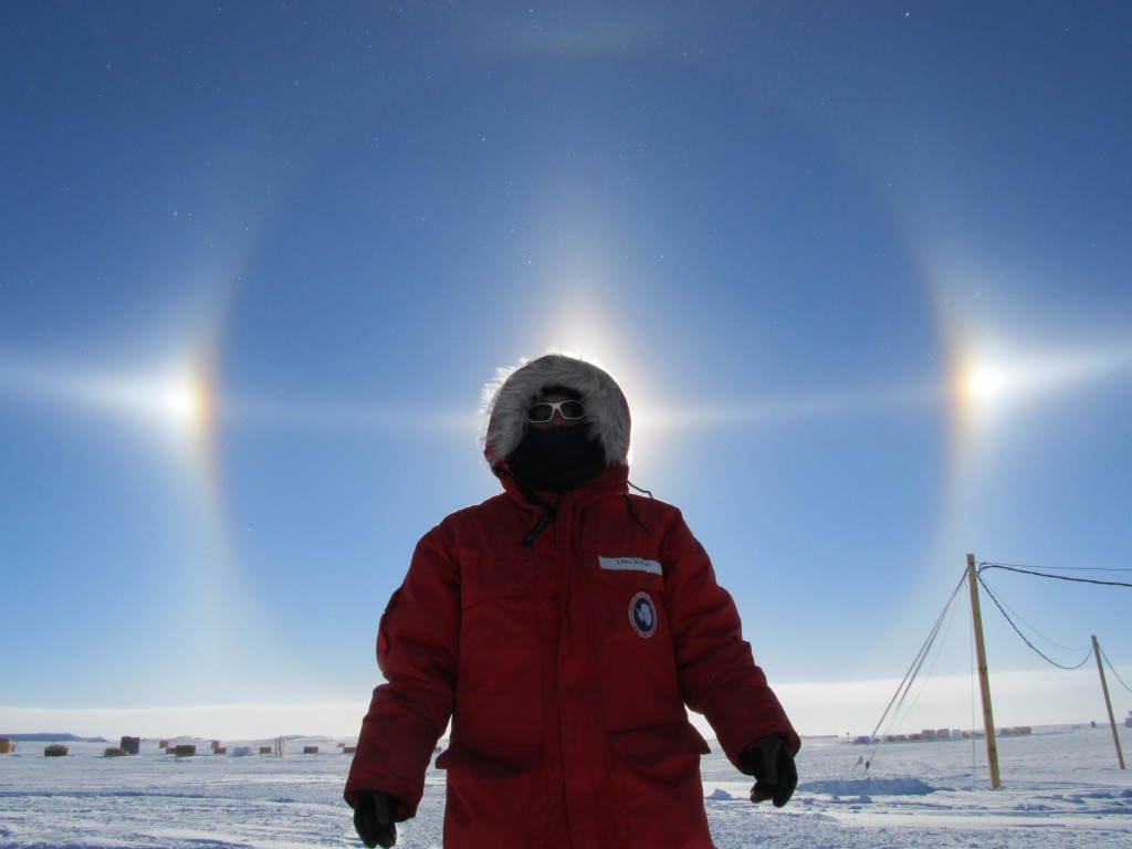 Слънчеви кучета над Западна Антарктида. Снимка: NASA/Lora Koenig (CC BY 2.0)