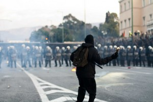 Бунтове в Атина през 2012 г. Снимка: athens.rioter/flickr (CC BY-NC-SA 2.0)