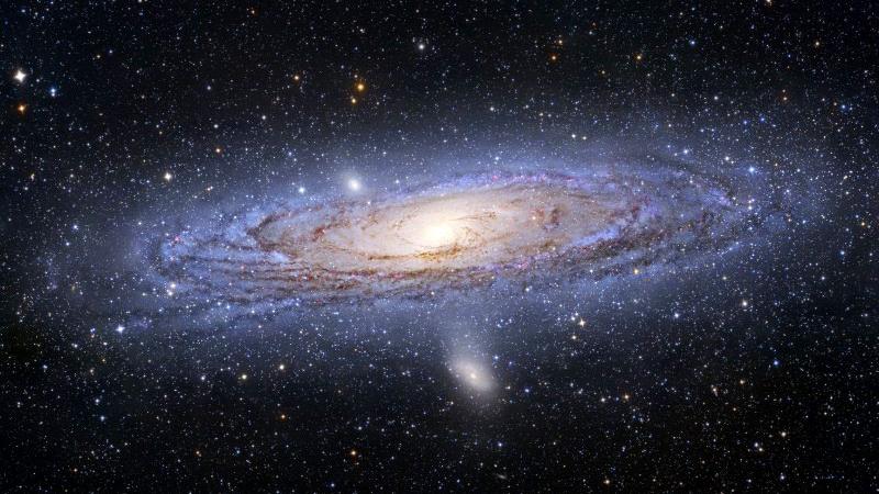 Нашата галактика прилича много на галактиката Андромеда, показана тук. Разбира се, ние не можем да видим Млечния път по този начин, защото сме част от него. Снимка: NASA/Hubble