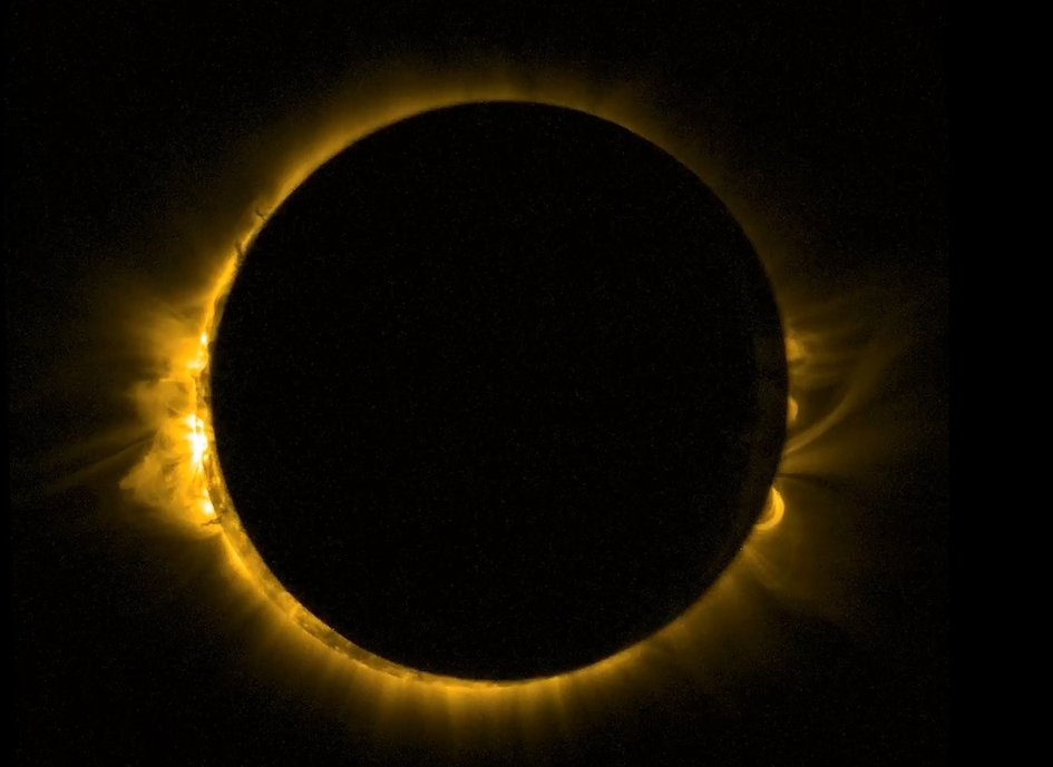 Космическата сонда Proba-2 засне затъмнението от орбита. Дискът на Луната почти изцяло закрива Слънцето. Снимка: ESA/ROB