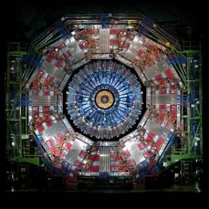 """Напречен """"разрез"""" на отворения детектор CMS. Снимка: CERN"""