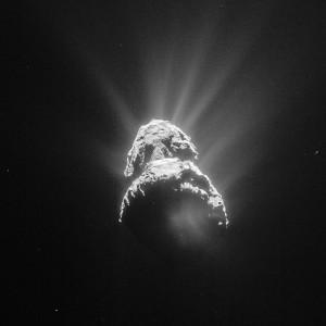 Кометата 67P, снимана от Rosetta на 28 април от дистанция 151 км. Снимка: ESA